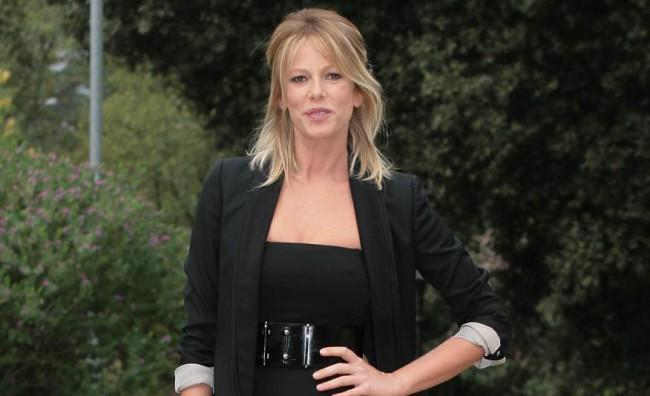 Alessia Marcuzzi sfila per LaPinella