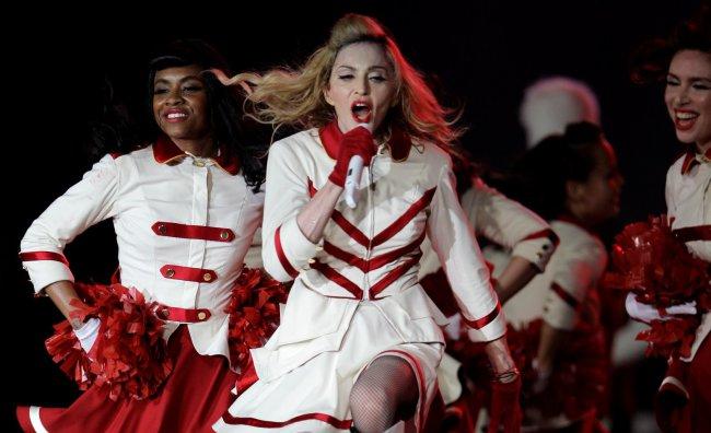 Madonna in Italia per tre concerti. Intanto provoca