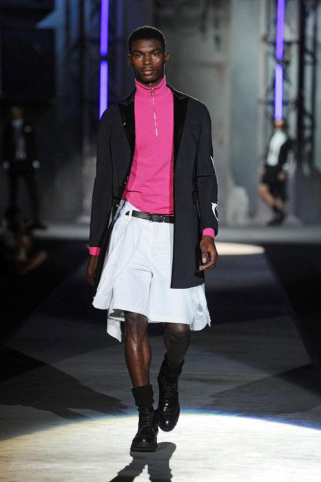 Giacca nera con dolcevita con zip e gonna pantalone bianca Dsquared2 uomo