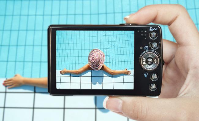Fotocamera in piscina
