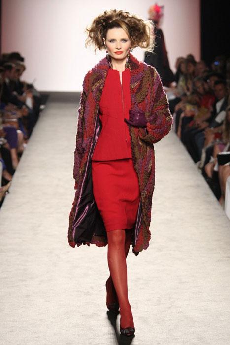 Raffaella Curiel - tailleur rosso