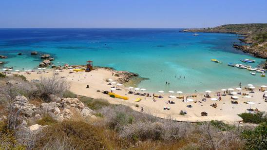 Cipro: una spiaggia tira l'altra