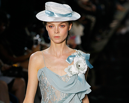 Cappello John Galliano
