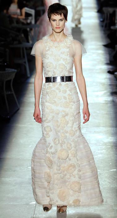 Abito con applicazioni floreali Chanel Haute Couture