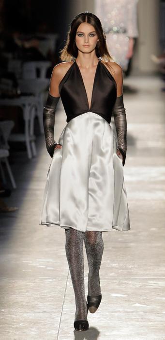 Abito da sera con guanti Chanel Haute Couture