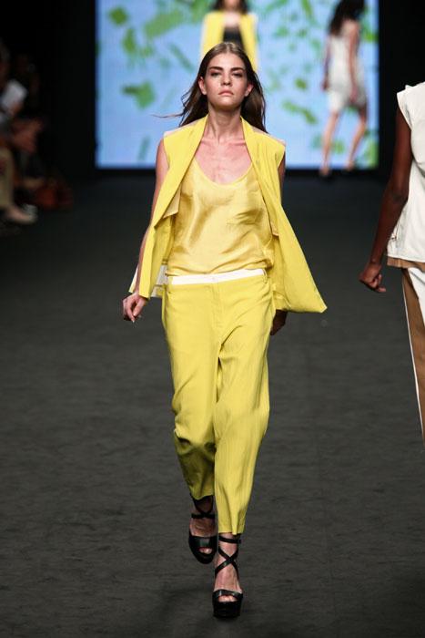 Completo giallo CNC Costume National