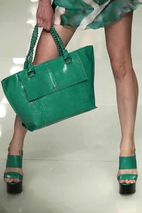 Scarpe e borse. L accoppiata vincente - www.stile.it 5b0f8166624