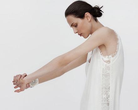 Collezione Zara estate 2012 maglia borchie con pizzo laterale