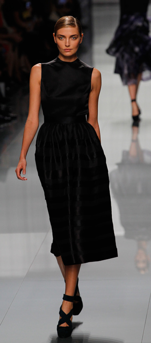Abito nero smanicato Christina Dior