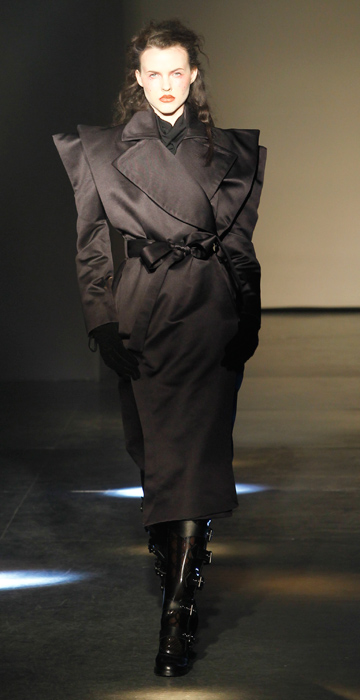 Cappotto nero Vivienne Westwood