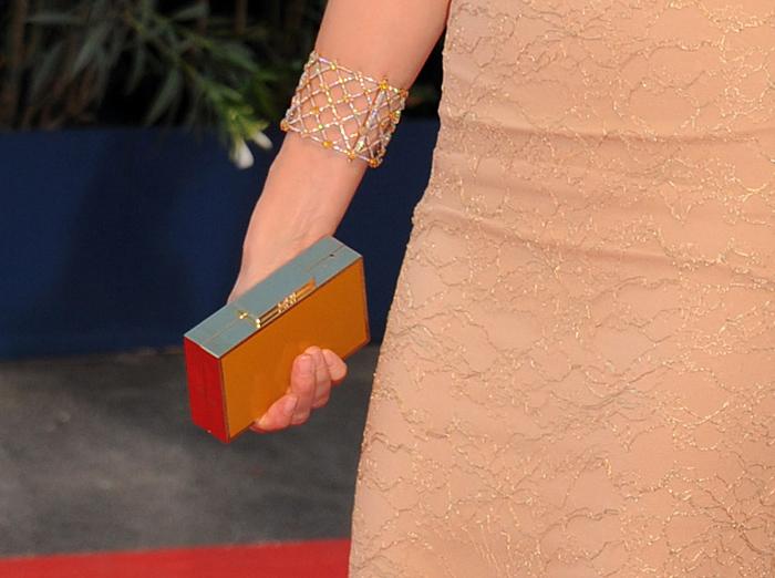 Naomi Watts e la sua pochette