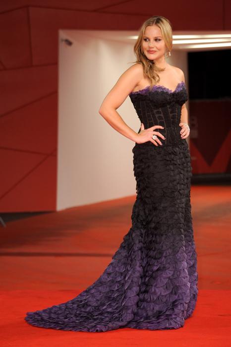 Abito Atelier Versace indossato da Abbie Cornish