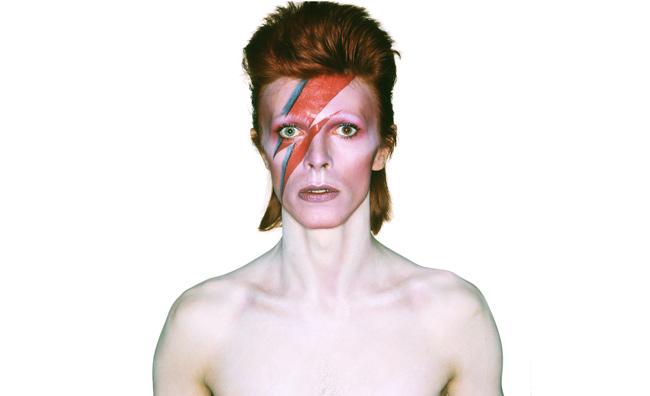 Chi è David Bowie? Una mostra ce lo racconta