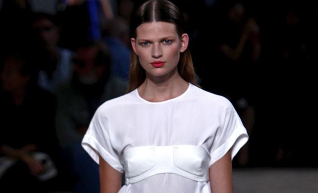 Street-style con contaminazioni couture: N21