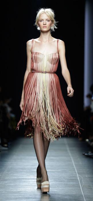 Bottega Veneta - abito con spalline e cintura alla vita