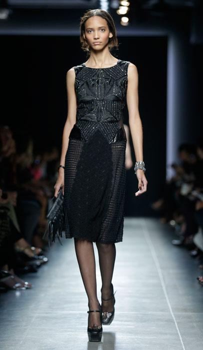Bottega Veneta - abito nero con pochette