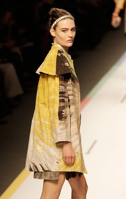Fendi - cappotto fantasie in marrone giallo