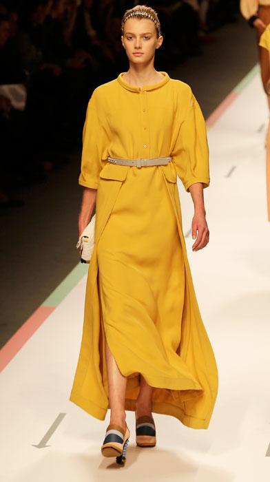 Fendi - abito giallo con cintura in vita