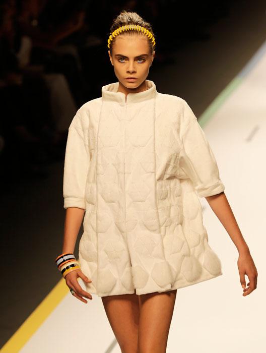 Fendi - cappotto bianco ricamato