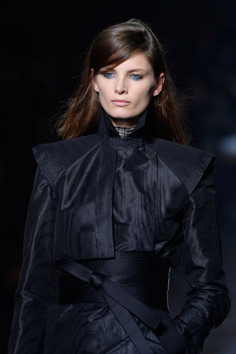 Lanvin - Dettaglio camicia e giacca nera