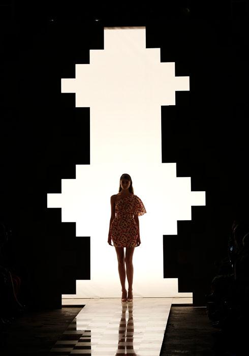 Mila Schon - Presentazione abiti