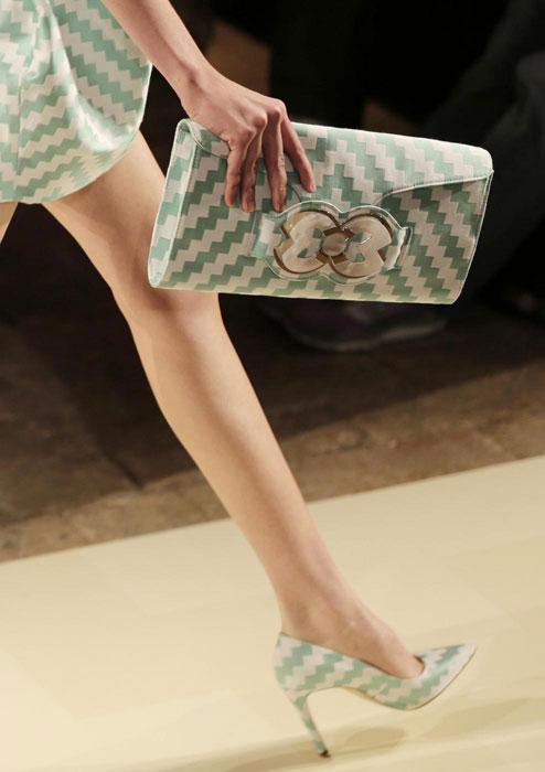 Mila Schon - Dettaglio borsa e scarpe