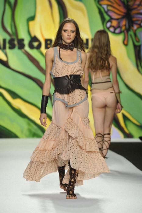 Miss Bikini Luxe - Abito lungo salmone con fascia alla vita