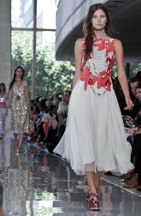 Tory Burch - Abito bianco con fiori rossi