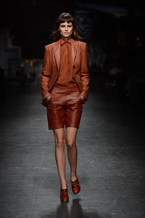 Trussardi - Completo in pelle con bermuda e camicia
