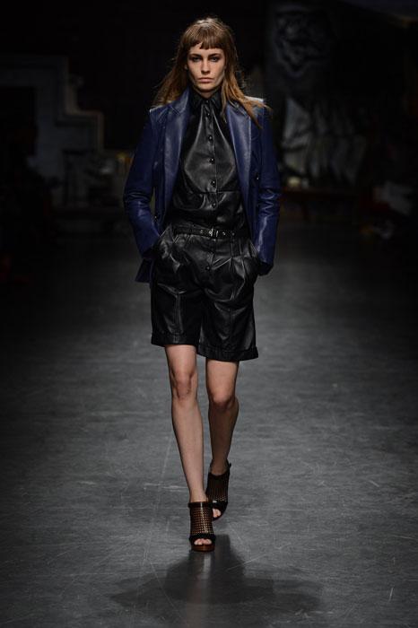 Trussardi - Completo nero con giacca blu