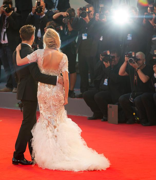 Zac Efron e Maika Monroe sul red carpet