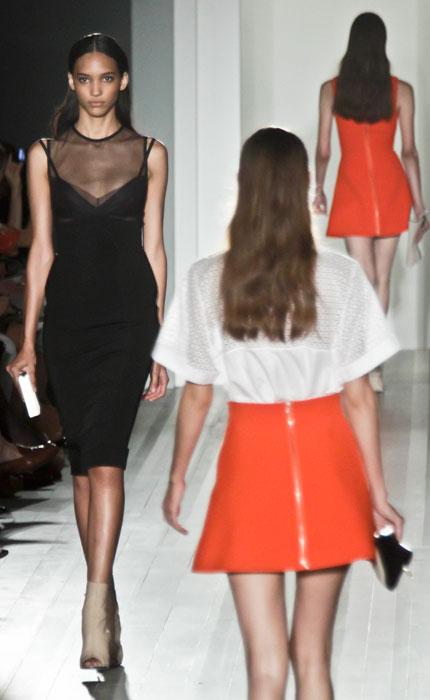 Victoria Beckham - abito nero con scollo trasparente