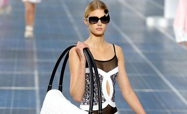 Gli accessori sono protagonisti da Chanel