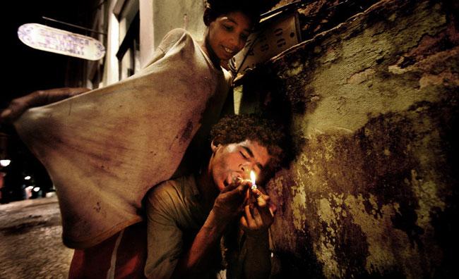 La fotografia indaga l'abuso di droga