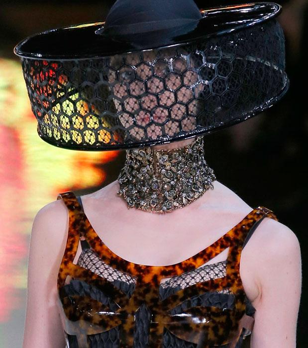 L'ape regina di Alexander McQueen