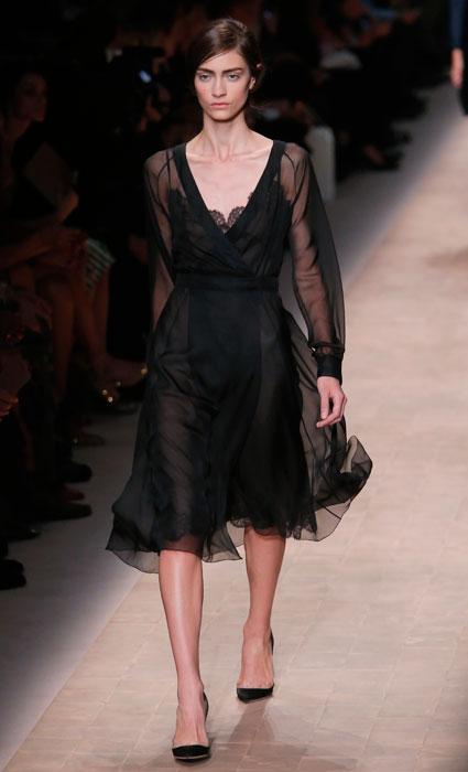 3bd14e12cf9ef Valentino - abito nero con maniche trasparenti