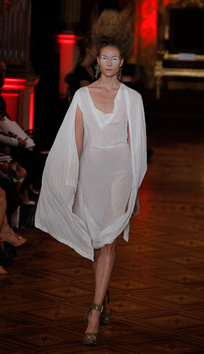 Vivienne Westwood - abito bianco trasparente