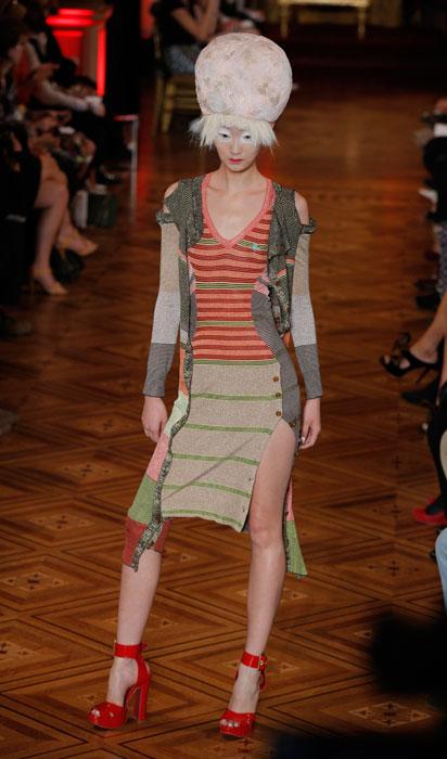 Vivienne Westwood - scarpa con tacco rossa