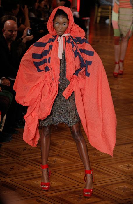 Vivienne Westwood - mantella rossa