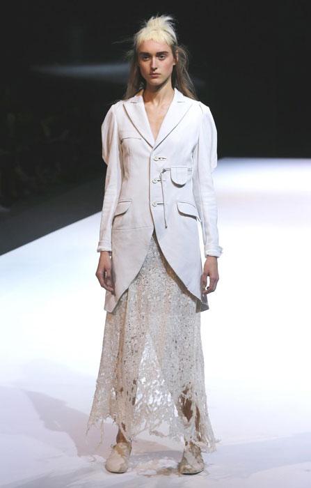 Yohji Yamamoto - Completo bianco con gonna ricamata