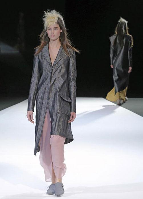 Yohji Yamamoto - Giacca lunga e gonna rosa