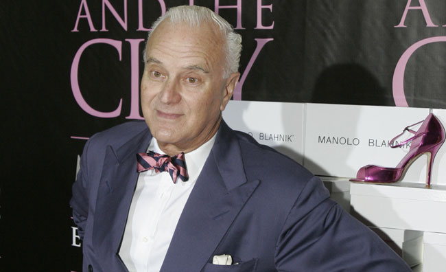 Manolo Blahnik premio alla carriera ai British Fashion Awards