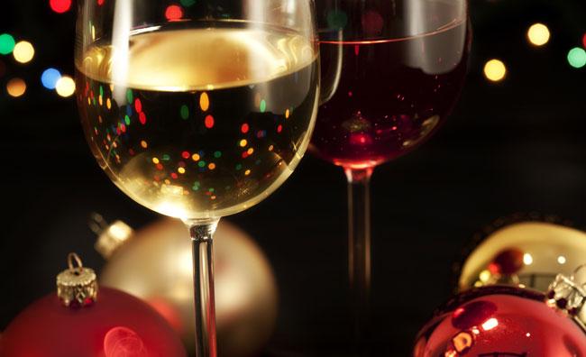 Pranzi e cenoni: quale vino abbinare alle portate?