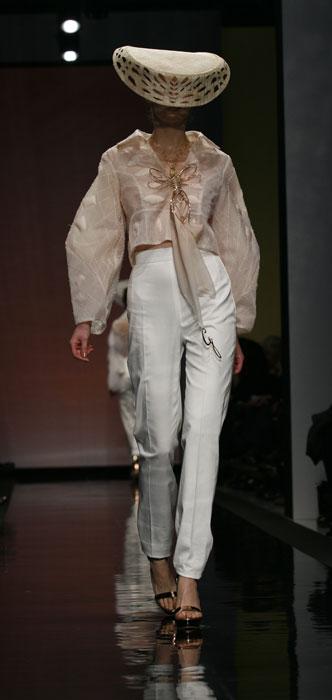 Completo pantaloni e camicia bianchi Gattinoni