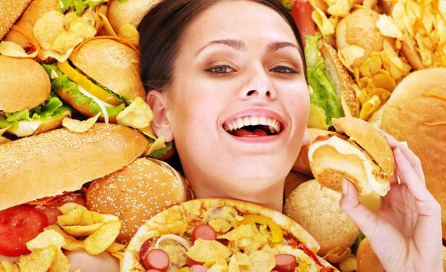 Ragazza con sandwich