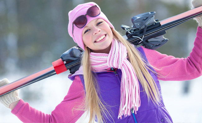Ragazza con gli sci