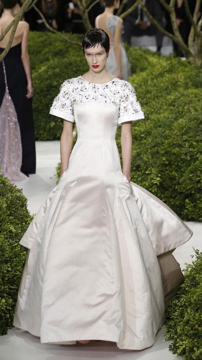 Abito lungo bianco con applicazioni sullo scollo Christian Dior
