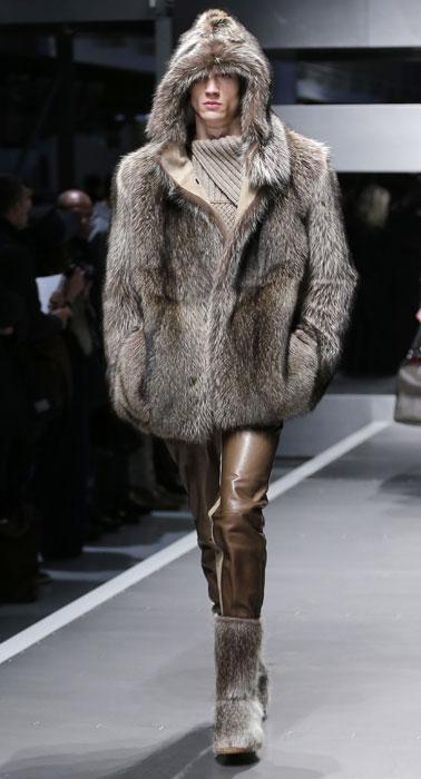Giacca in pelliccia con cappuccio Fendi