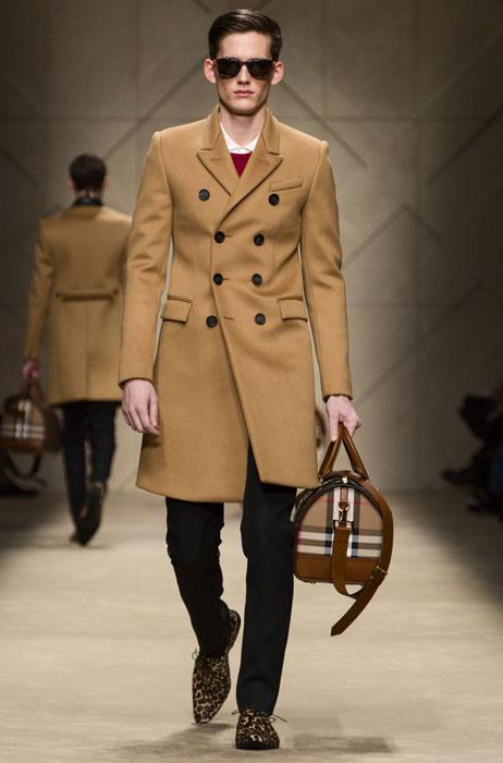 Cappotto e borsa uomo Burberry Prorsum