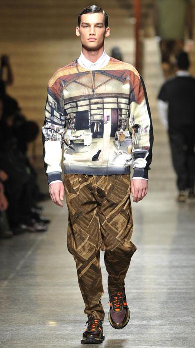 Felpa e pantaloni stampati Frankie Morello